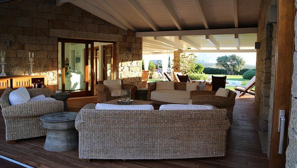 Villa jasmine italia ville in sardegna for Ville lusso italia